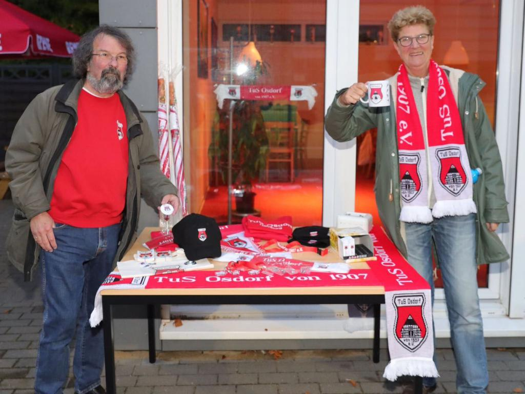 "Das ""Fan-Shop Team"" - Peter Kersten + Katja Marschewski - Foto: Thorge Huter /Fishing4 Bildagentur"